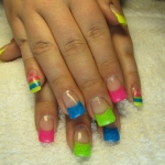 Neon nail art