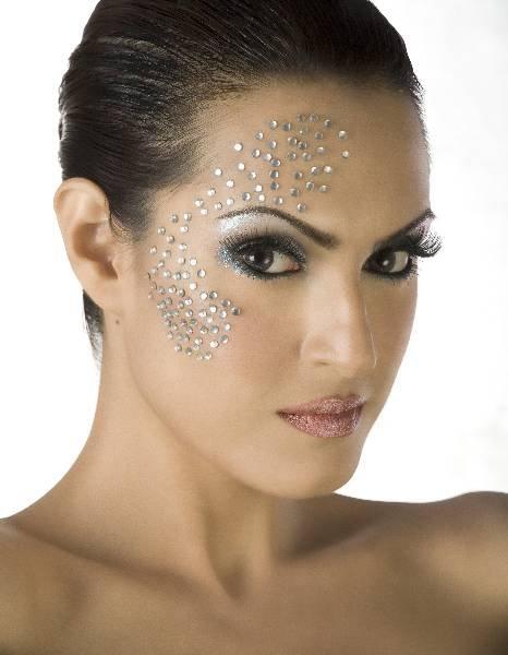 Mac makeup worksop at mona j salon rewaj women lifestyle for Mona j salon karachi