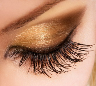 Glittering Gold Make Up