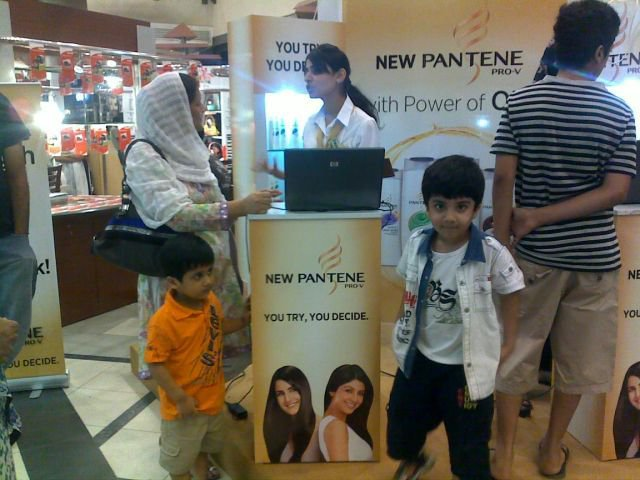 Visit Pantene Strength Stall for Free Hair Check