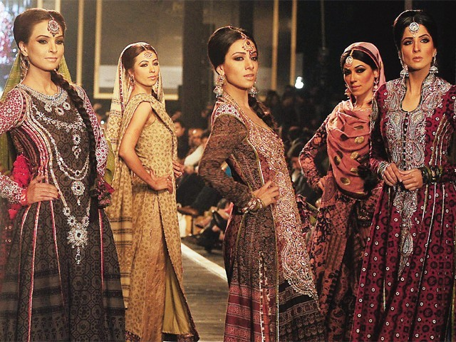 Bridal Couture Week Lahore 2010 enthrals trousseau hunters