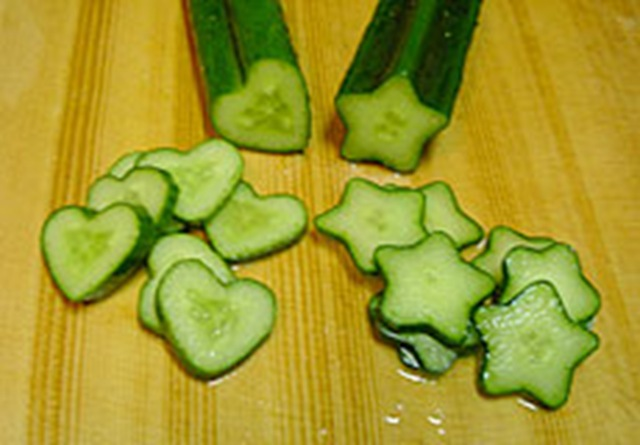 Cucumbers Remedy for Dark Eye Circles