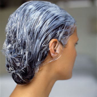 How to apply shampoo and conditioner for gray hair