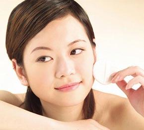 5 Makeup Tips to Keep Your Face Safe