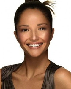 Bronzed make-up for sun kissed skin