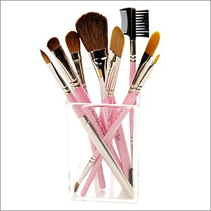 Cleaning Make Up Brushes