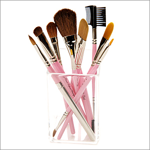 The Importance of Cleaning Make Up Brushes