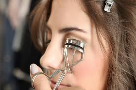 Eyelash Curler & Tips for Using Eyelash Curler