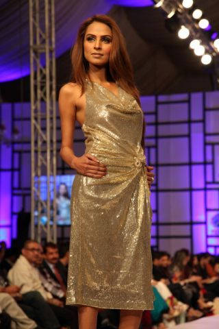 Eitehad Airways most Inspiring Designer Award at FPW3 goes to Shehla Chatoor
