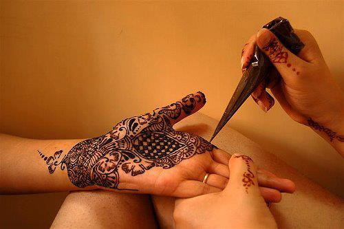 Latest Mehndi Designs for Eid 2012