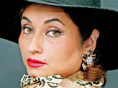 salma agha - come closer