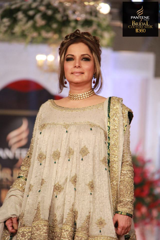 Babra Sharif models for Mehdi at PBCW