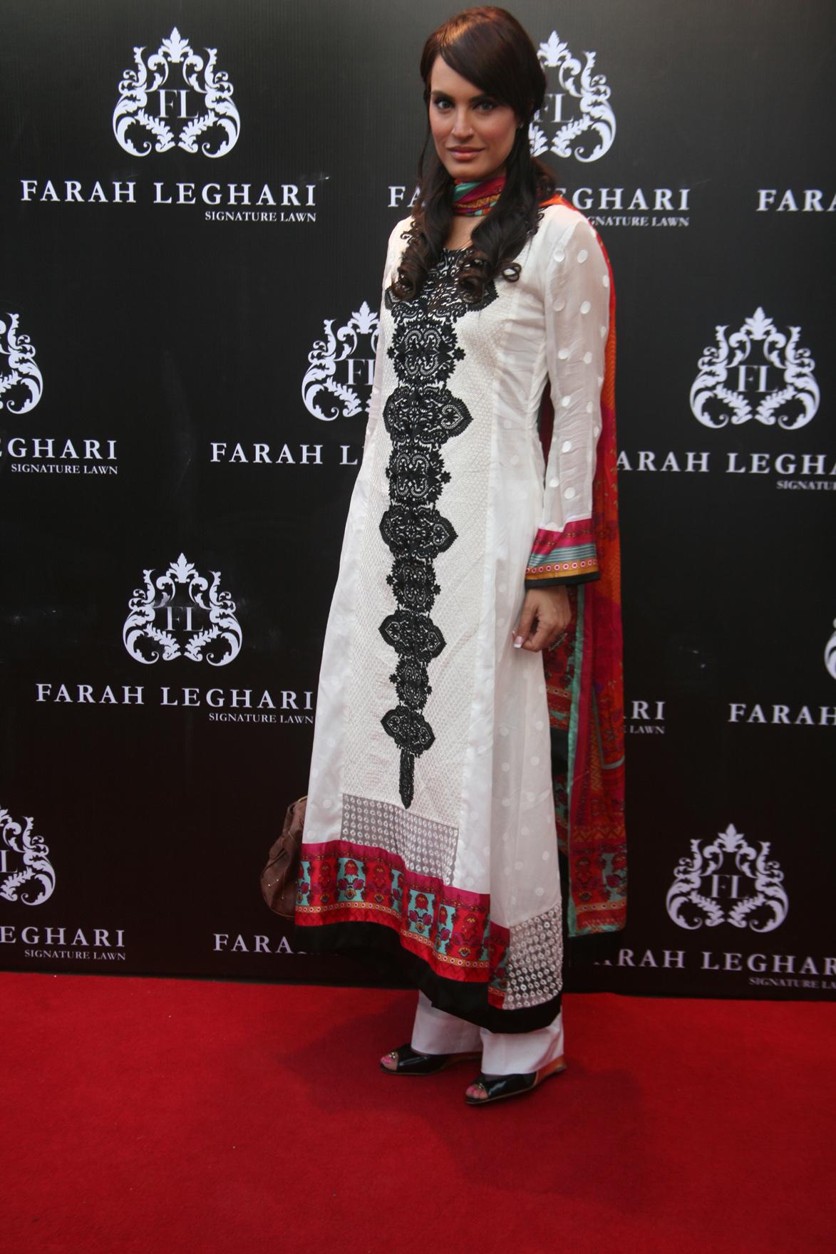 Farah Leghari's big come back with lawn prints 2013