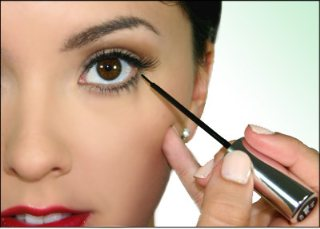 Apply Eyeliner Day and Evening makeup Tips