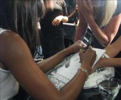 Naomi Campbell rallies fashion world for Pakistan flood victims