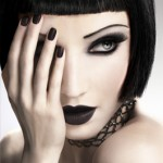 Gothic eye make up-Be Bold