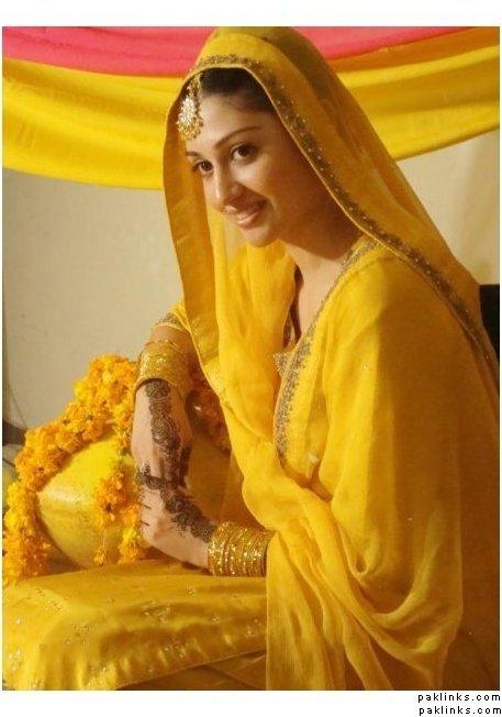 To be a Stylish Mehndi Bride