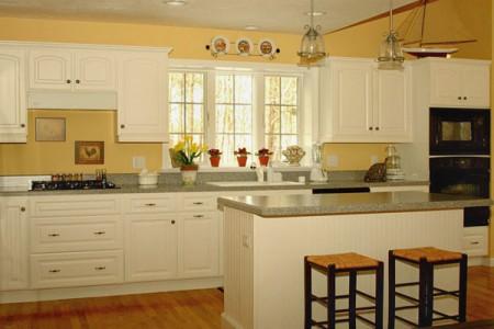 How to Remodel a Cape Cod Kitchen