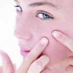 A Woman's Guide to Applying Makeup When You Have Acne