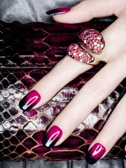 How to Grow Long, Strong Fingernails