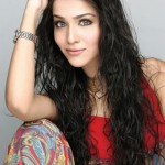 Humaima Malik to debut in Bollywood