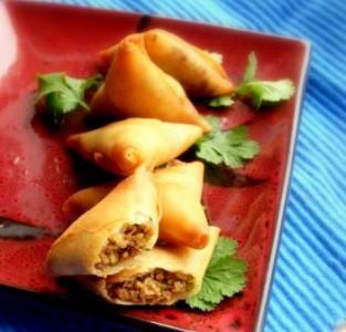 Mince qeema samosay iftar food
