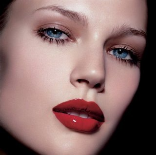 Tips for Wearing Red Lipstick