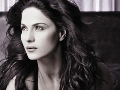 IHC rejects plea seeking action against Veena Malik