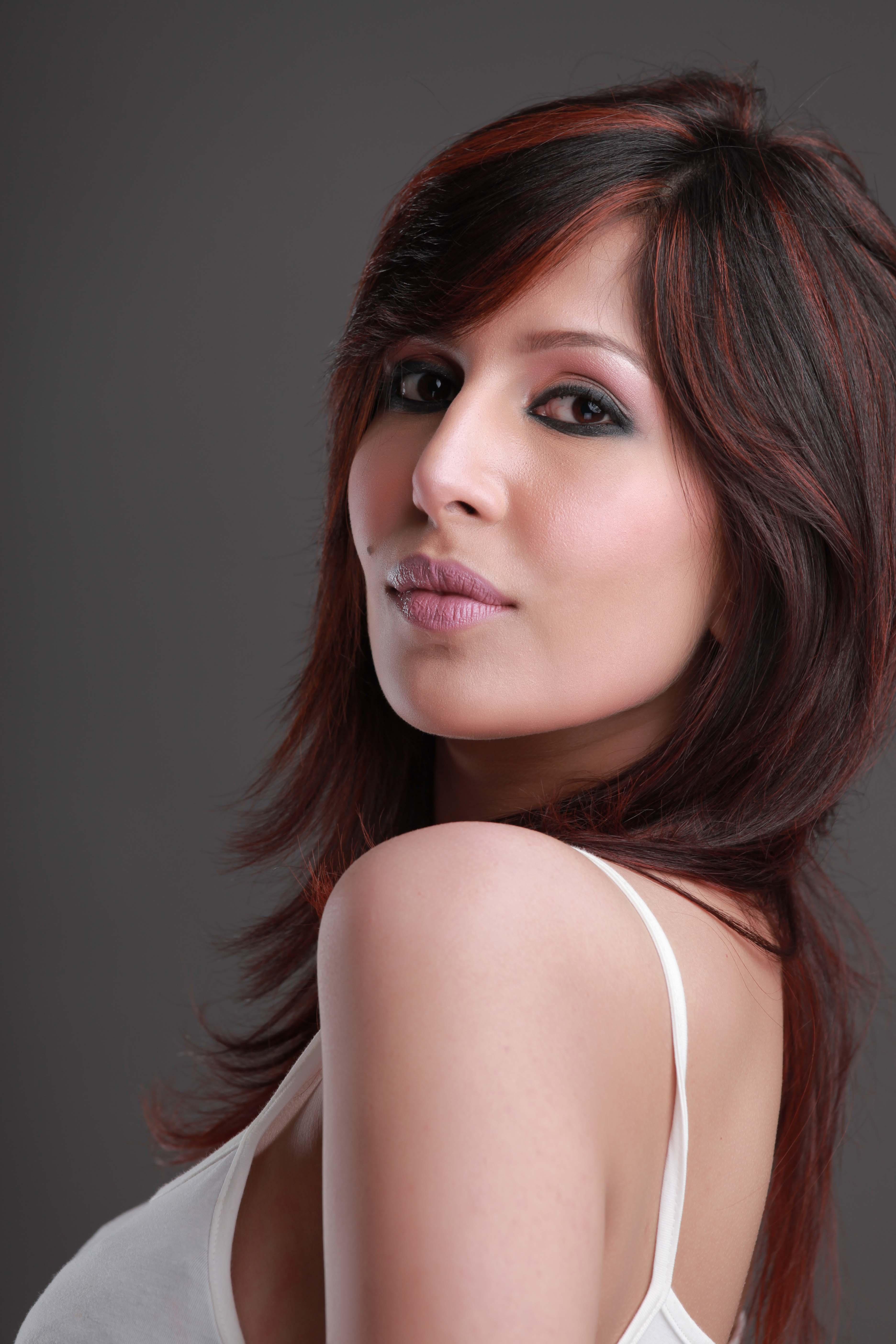 Veet Miss Super Model Contest 2012 - Rewaj | Women Lifestyle