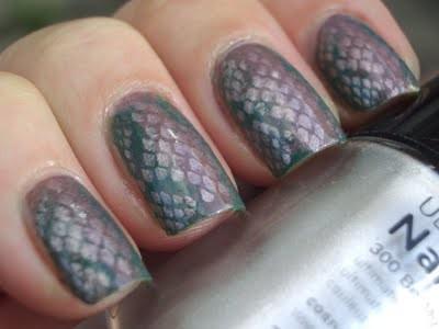 Snake Skin nail art design
