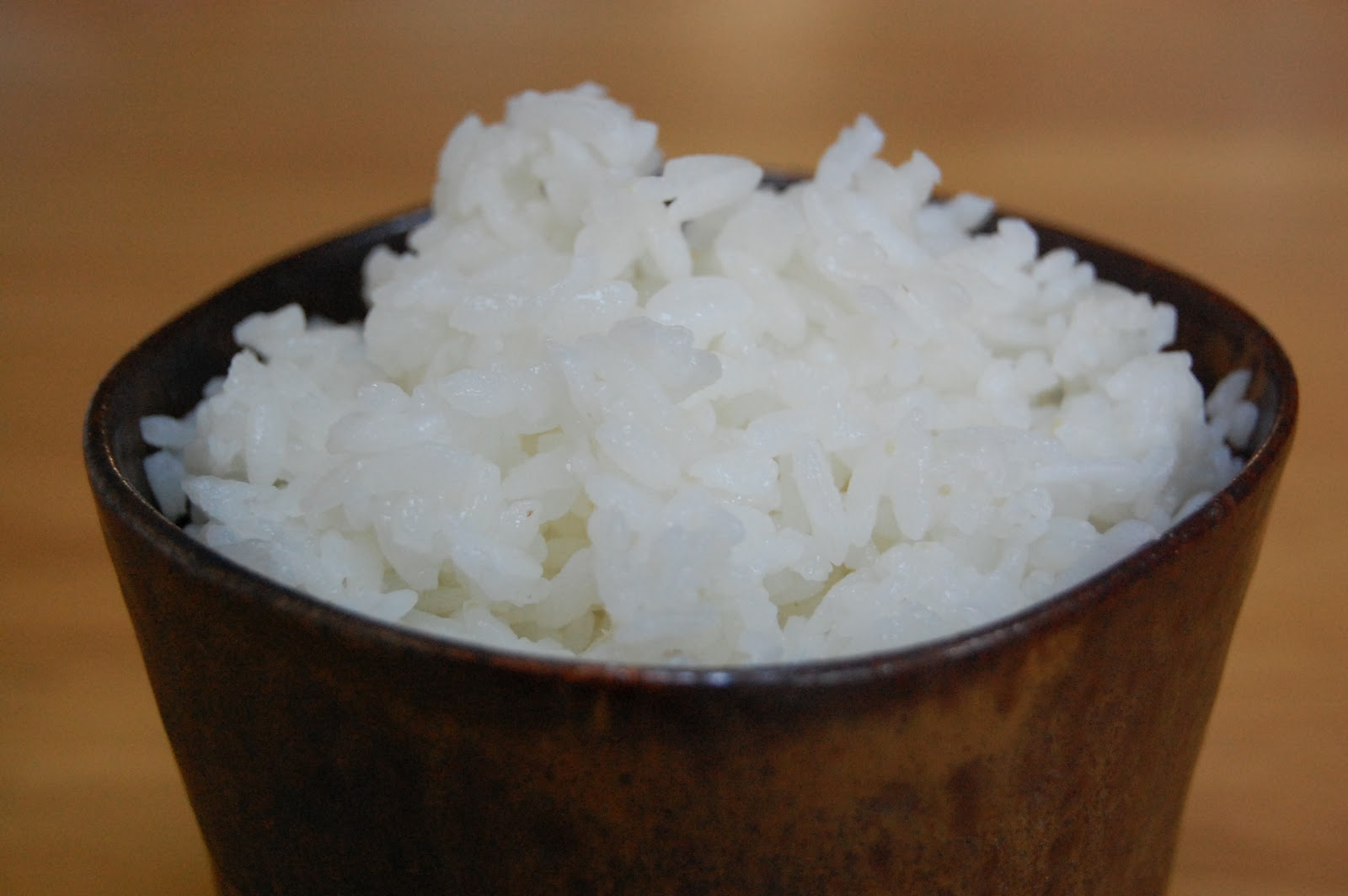 Cooking Plain Rice Japanese Style