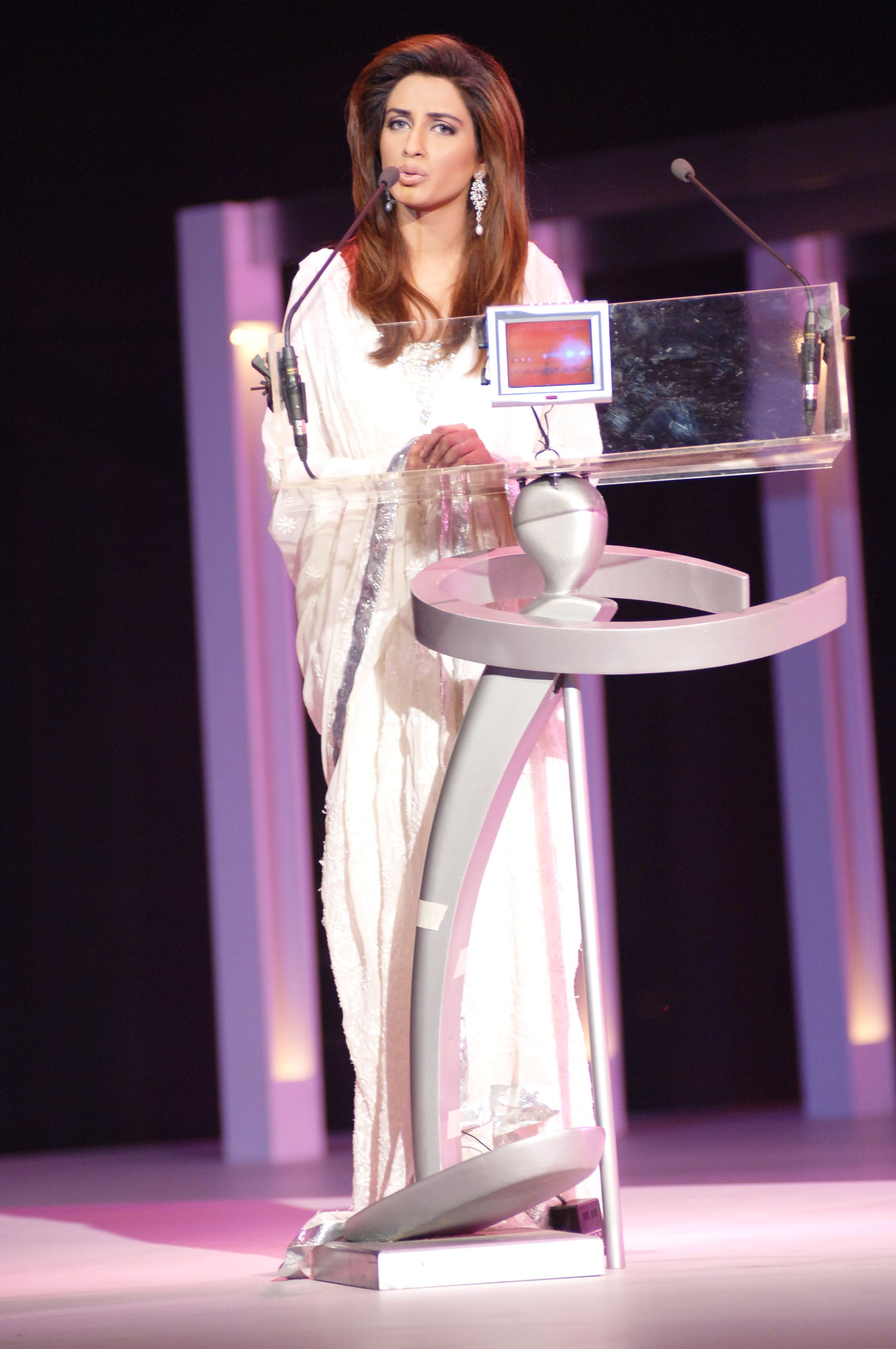 Stylish Hosts of Lux Style Awards