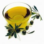 Extraordinary Tea Tree Oil Uses